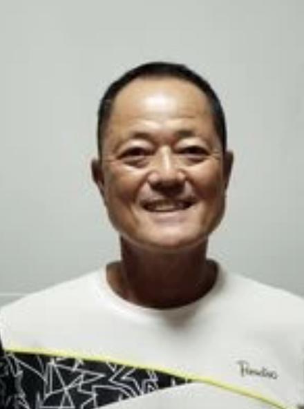 束田 伸彦 コーチ