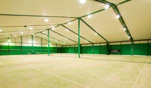 若鳩インドアテニスクラブ